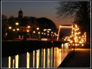 Kerstverlichting langs de vaort in Smilde