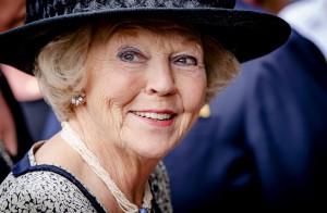 Prinses Beatrix opent tentoonstelling over kunstenaar Joep Nicolas