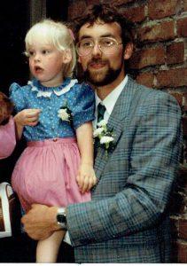 Frea met papa op een huwelijk in 1989